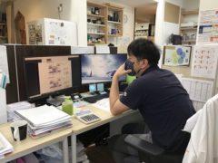 事務所でe-learning