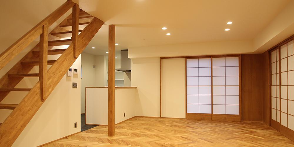 ヘリンボーンの床の家
